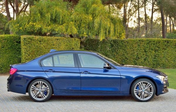 BMW 330e iPerformance 252hp